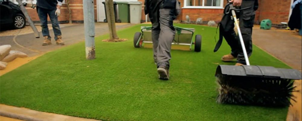 Artificial turf installation-can you do it alone?