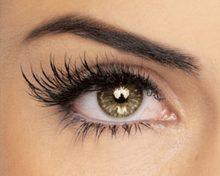 Why Shoud You Opt for a Lash Growth Serum